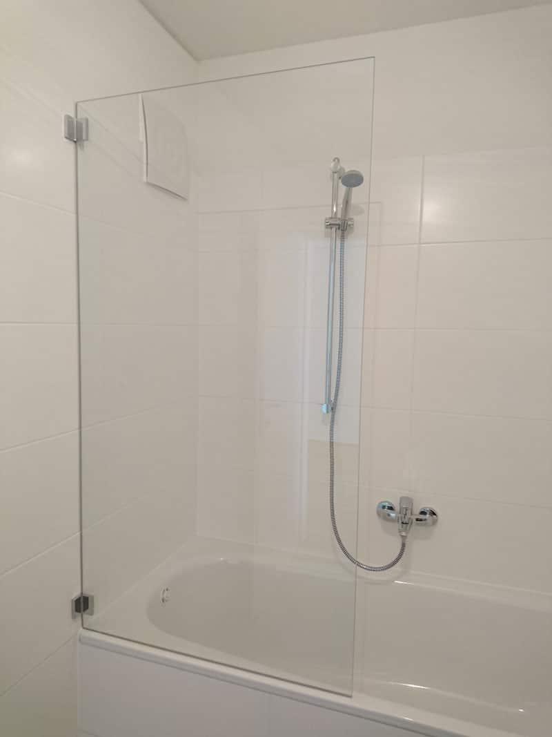 Duschglas-auf-Badewanne 4720 Pötting