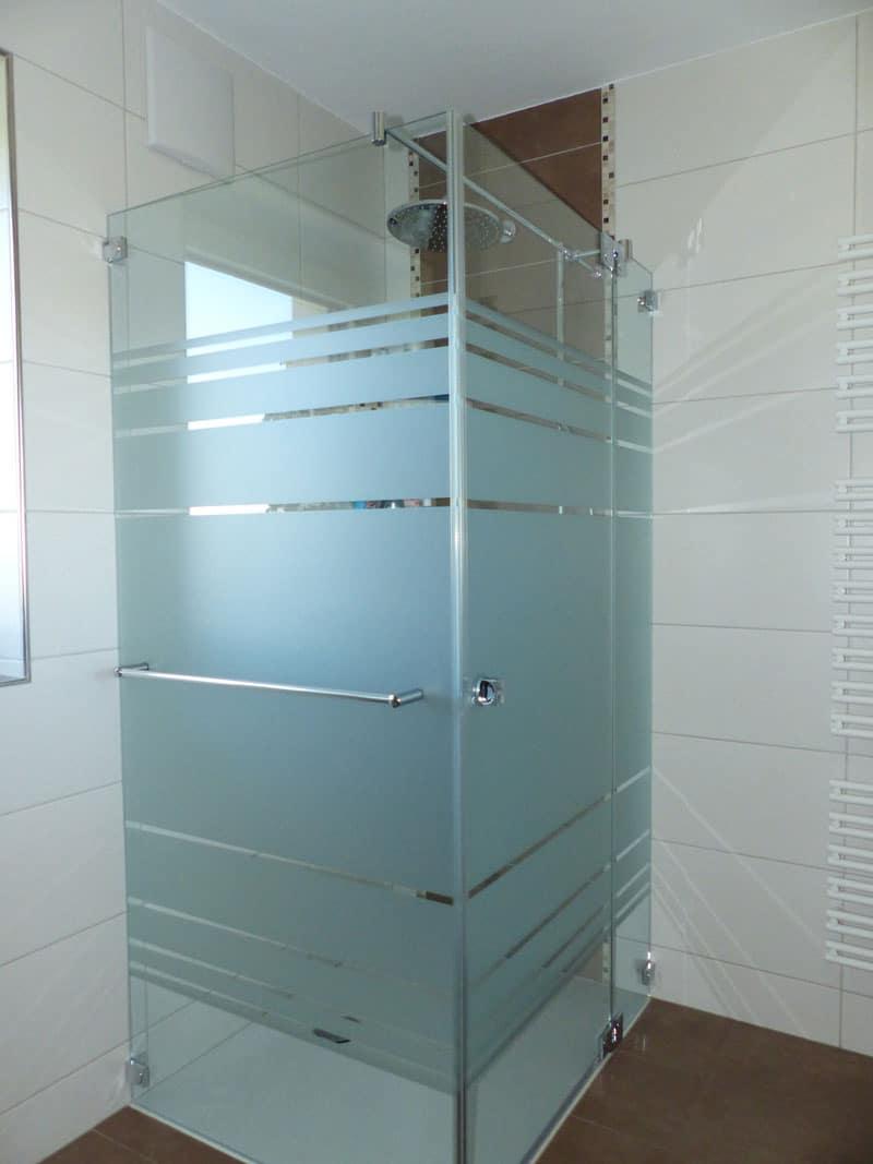 dusche-mit-streifenmuster tollet bei grieskirchen oö