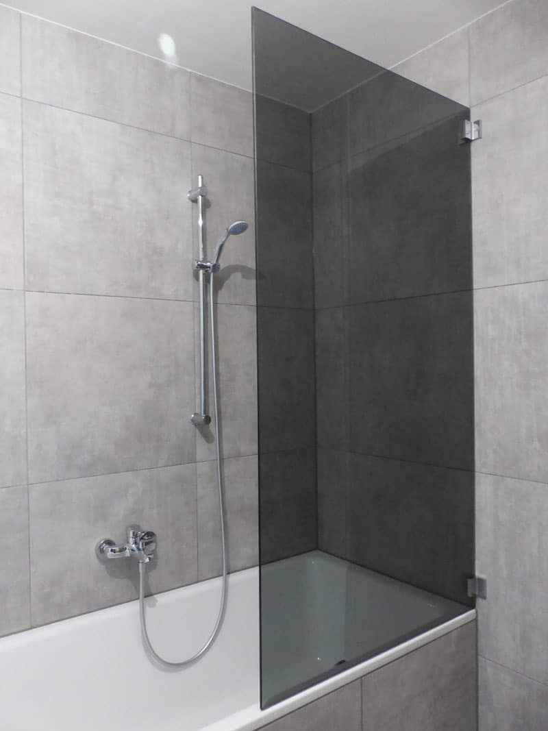 glas-auf-badewanne in parsol grau mit wandwinkel 4682 geboltskirchen oö