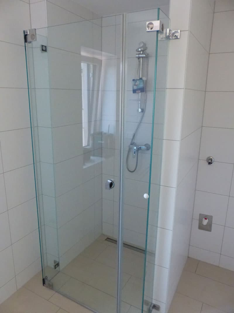 sonderglasdusche-duschvergrößerung verlängerung des duschbereiches mit glas 4710 grieskirchen