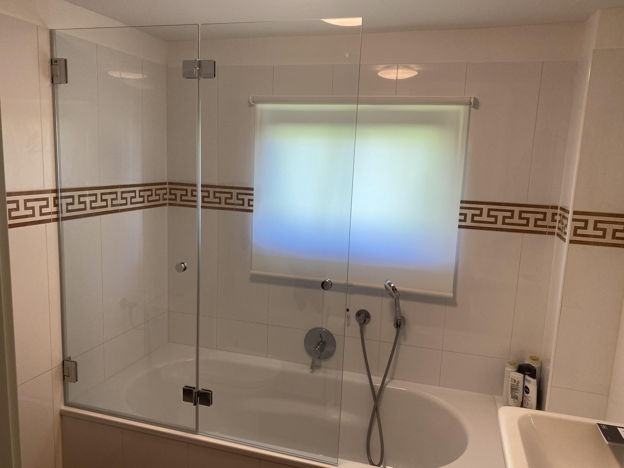 glas auf badewann badewannenaufsatz tollet oö